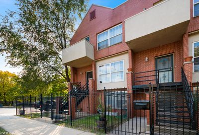4658 South Ellis Avenue Chicago IL 60653