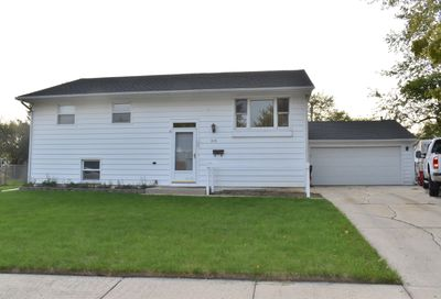 310 Chase Court Streamwood IL 60107