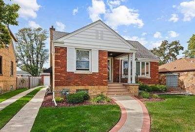 2514 South 3rd Avenue North Riverside IL 60546
