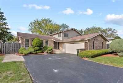 626 Springhill Drive Roselle IL 60172