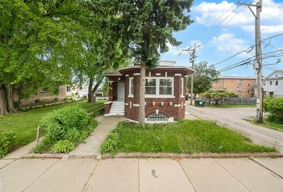 8635 South Throop Street Chicago IL 60620