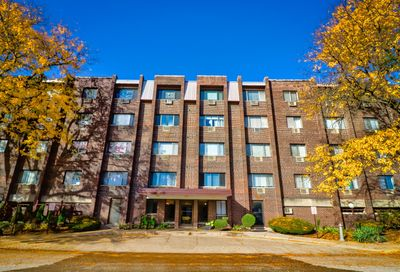 4624 North Commons Drive Chicago IL 60656