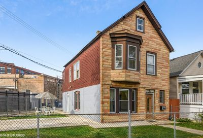 2438 North Richmond Street Chicago IL 60647