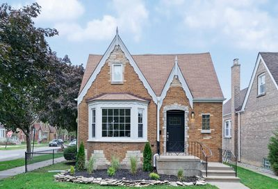 6976 West Barry Avenue Chicago IL 60634