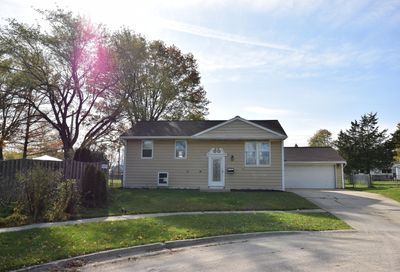 312 Chase Court Streamwood IL 60107
