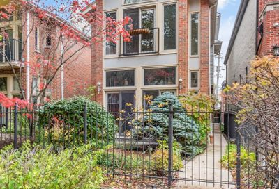 1213 West Roscoe Street Chicago IL 60657