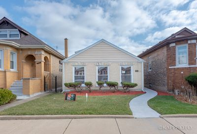 8123 South Wood Street Chicago IL 60620
