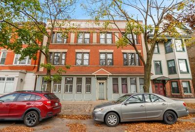 1020 West Roscoe Street Chicago IL 60657