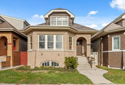 5818 West Giddings Street Chicago IL 60630