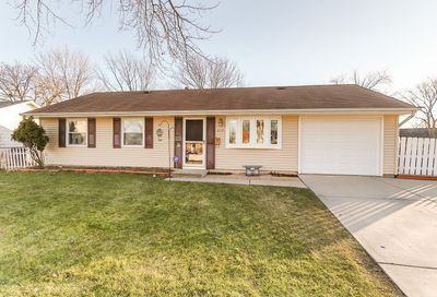 419 Robinhood Drive Streamwood IL 60107