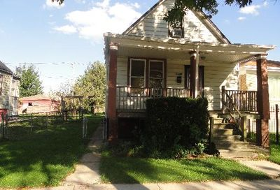 10321 South Hoxie Avenue Chicago IL 60617