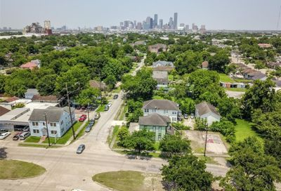 4617 Brady Street Houston TX 77011
