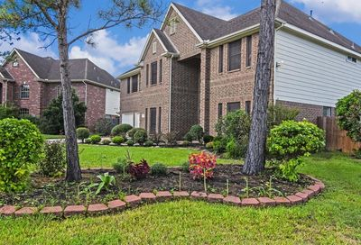 1401 Pine Knot Court Pearland TX 77581