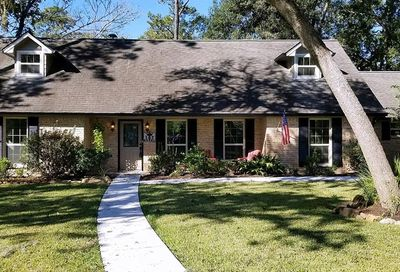 107 Royal Court Friendswood TX 77546