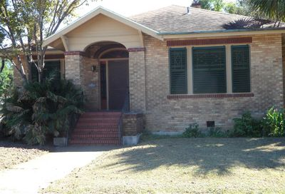 4501 Avenue N 1/2 Galveston TX 77551