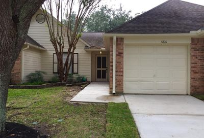 686 W Country Grove Circle Pearland TX 77584