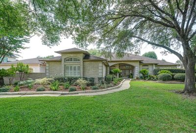 904 Pine Hollow Drive Friendswood TX 77546