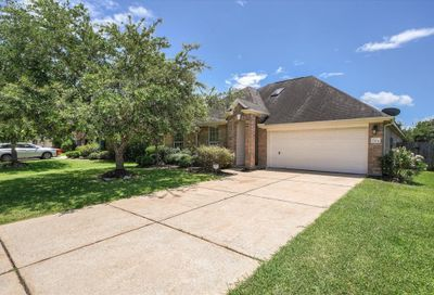7704 Waterlilly Lane Pearland TX 77581