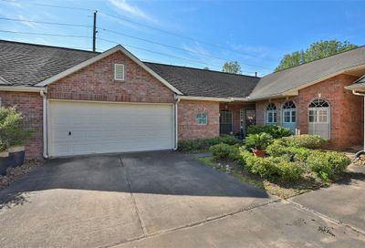 819 Apple Blossom Drive Pearland TX 77584