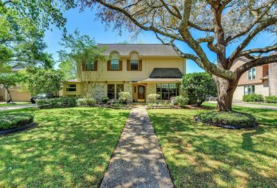 1904 Talon Drive Friendswood TX 77546