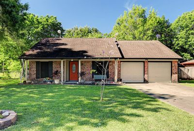 94 Shady Oak Court Alvin TX 77511