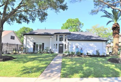 2409 Golfcrest Drive Pearland TX 77581