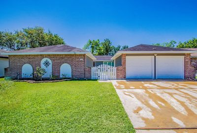 16218 Forest Bend Avenue Friendswood TX 77546