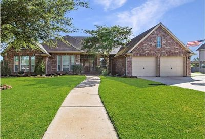 2001 Parkview Drive Friendswood TX 77546