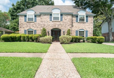 136 Saint Andrews Drive Friendswood TX 77546