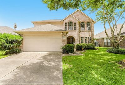 4935 Sentry Woods Lane Pearland TX 77584