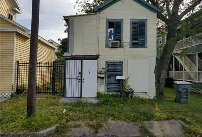 1215 26th Street Galveston TX 77550