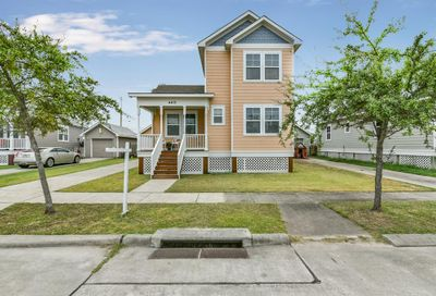 4415 S Live Oak Circle Galveston TX 77550