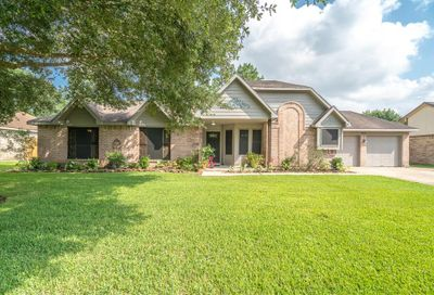 803 Lancaster Drive Friendswood TX 77546