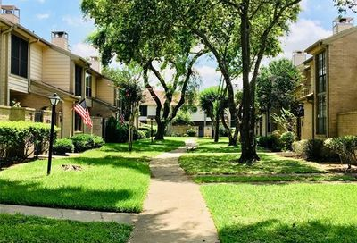 712 Country Place Drive Houston TX 77079