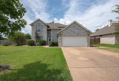 3718 Bridle Court College Station TX 77845
