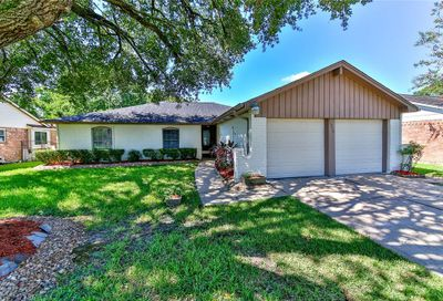 16210 Forest Bend Avenue Friendswood TX 77546