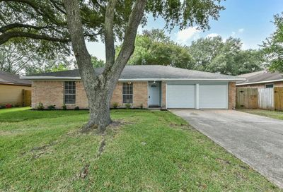 1616 Sleepy Hollow Drive Pearland TX 77581