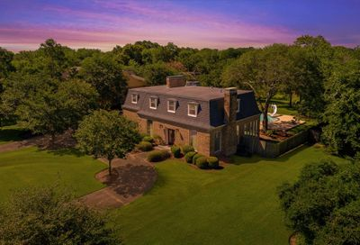 2010 Airline Drive Friendswood TX 77546