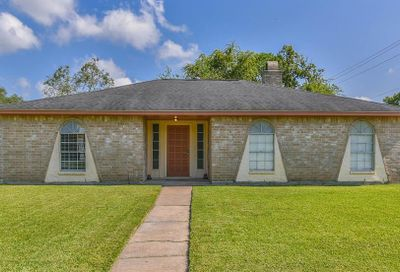 16515 Forest Bend Avenue Friendswood TX 77546