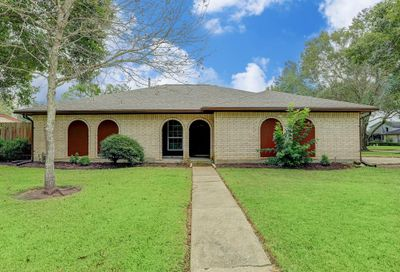 2108 Roland Rue Pearland TX 77581