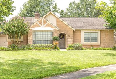 1003 Tipperary Avenue Friendswood TX 77546