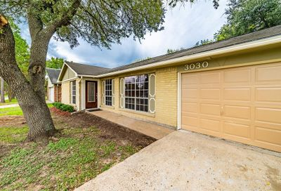 3030 Helmsley Drive Pearland TX 77584