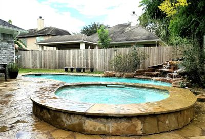 6401 Woodhaven Street Pearland TX 77584
