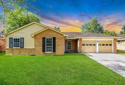 312 Stratmore Drive Friendswood TX 77546