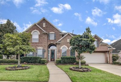 208 Mesquite Falls Lane Friendswood TX 77546
