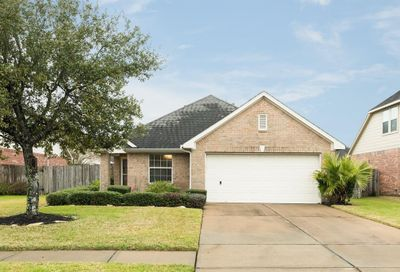 7505 Quiet Trace Lane Pearland TX 77581