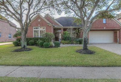 2014 Waters Edge Court Pearland TX 77584