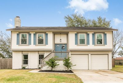 453 E Castle Harbour Drive Friendswood TX 77546