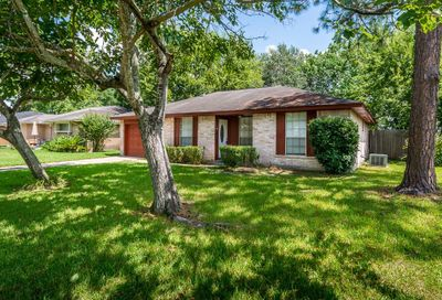 209 Brigadoon Lane Friendswood TX 77546