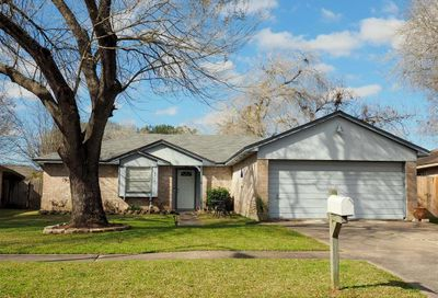 2918 Heritage House Drive Webster TX 77598